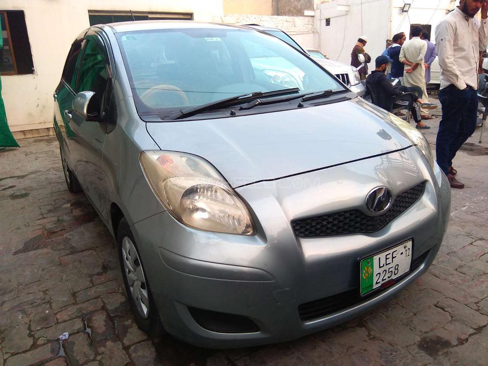 Toyota Vitz B 1.0 2008 Image-1