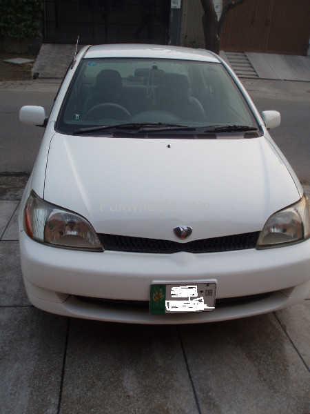 Toyota Platz 2003 Image-1