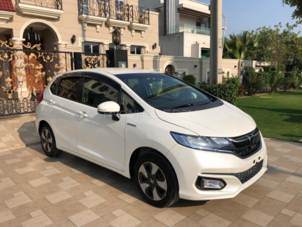 Honda Fit 1.5 Hybrid S Package 2017 Image-1