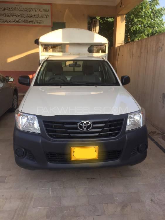 Toyota Hilux 4x2 Single Cab Standard 2015 Image-1