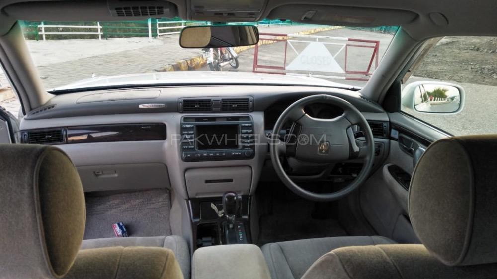 Toyota Crown - 2003  Image-1