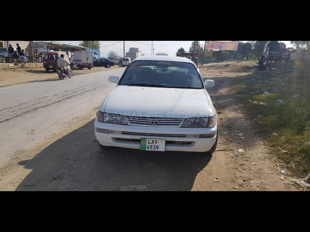 Toyota Corolla SE Limited 2001 Image-1