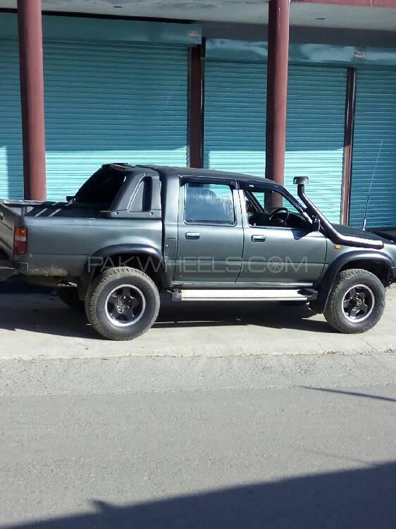Toyota Hilux 1989 Image-1