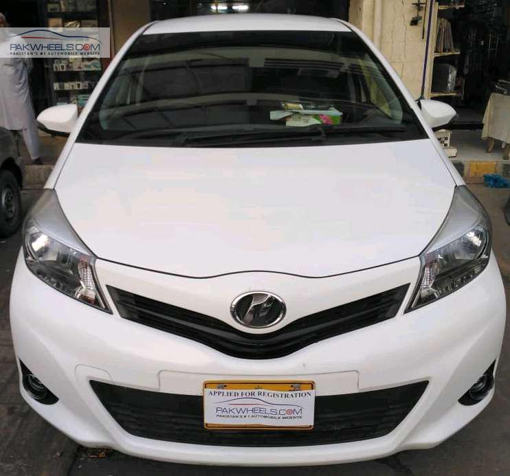 Toyota Vitz F Intelligent Package 1.0 2013 Image-1