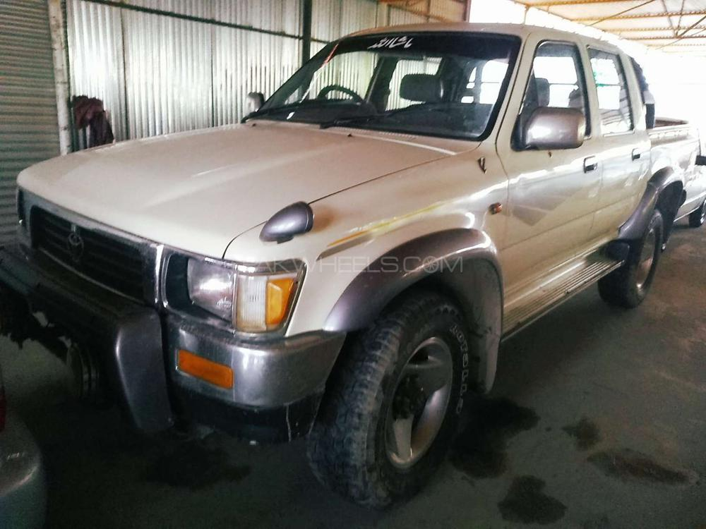 Toyota Hilux Double Cab 1992 Image-1