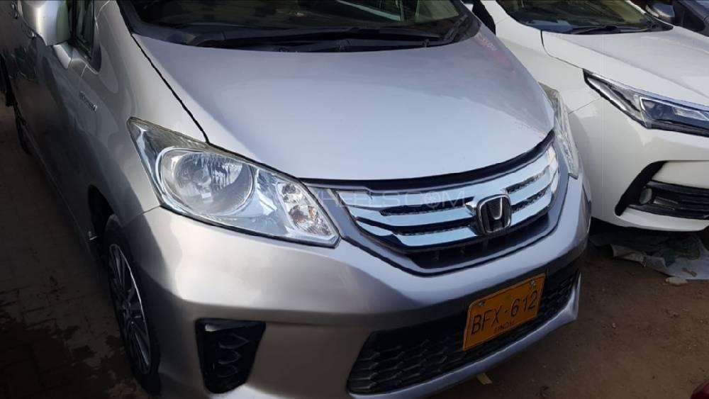 Honda Freed Hybrid 2012 Image-1