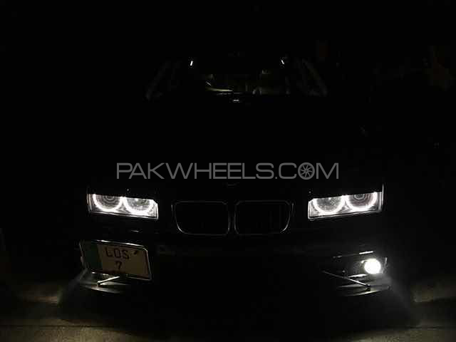 BMW 3 Series - 1993 DirtySix Image-1