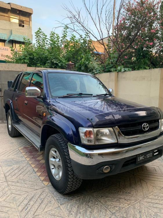 Toyota Hilux Double Cab 2004 Image-1