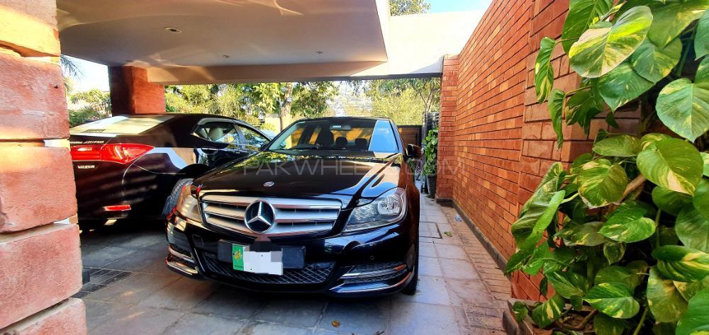 Mercedes Benz C Class C200 2014 Image-1