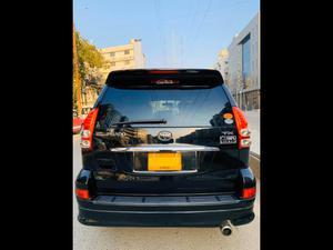 ®GARIWALA® Toyota Land Cruiser - PRADO - Black, 2700 Cc, Petrol,  TX-Package, 7- Seater, Sunroof, Model 2007, Import 2012,  Import/Registered in Karachi 2012, Original Body No Touch Up, Original Leather Seats ( not after market ),  Original 125,000 K.M ( Verifiable ), Original Toyota Body Kit, Original Sunroof, Original inside room, Roof Rails,CD/Bluetooth player,