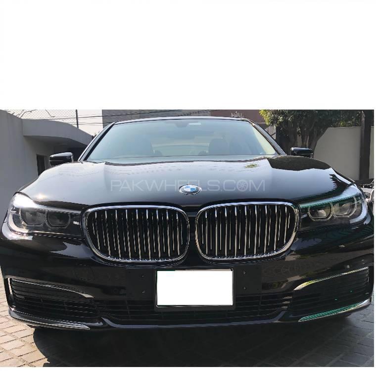 BMW 7 Series 740 Le xDrive 2019 Image-1