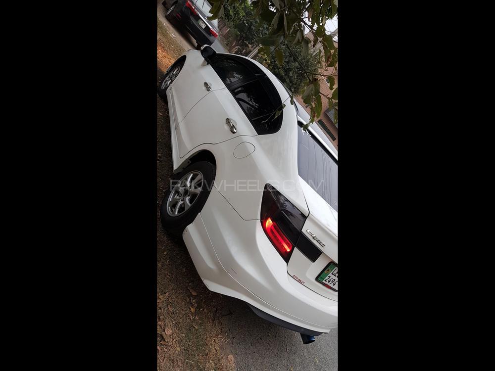 Honda Civic VTi Oriel 1.8 i-VTEC 2015 Image-1