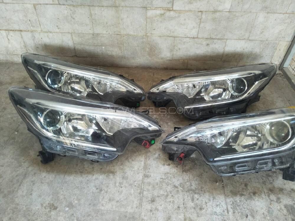 Nissan Note Hybrid Headlight piar Image-1