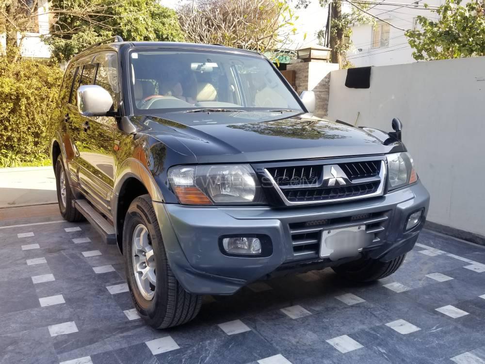 Mitsubishi Pajero GLX 3.5 2004 Image-1