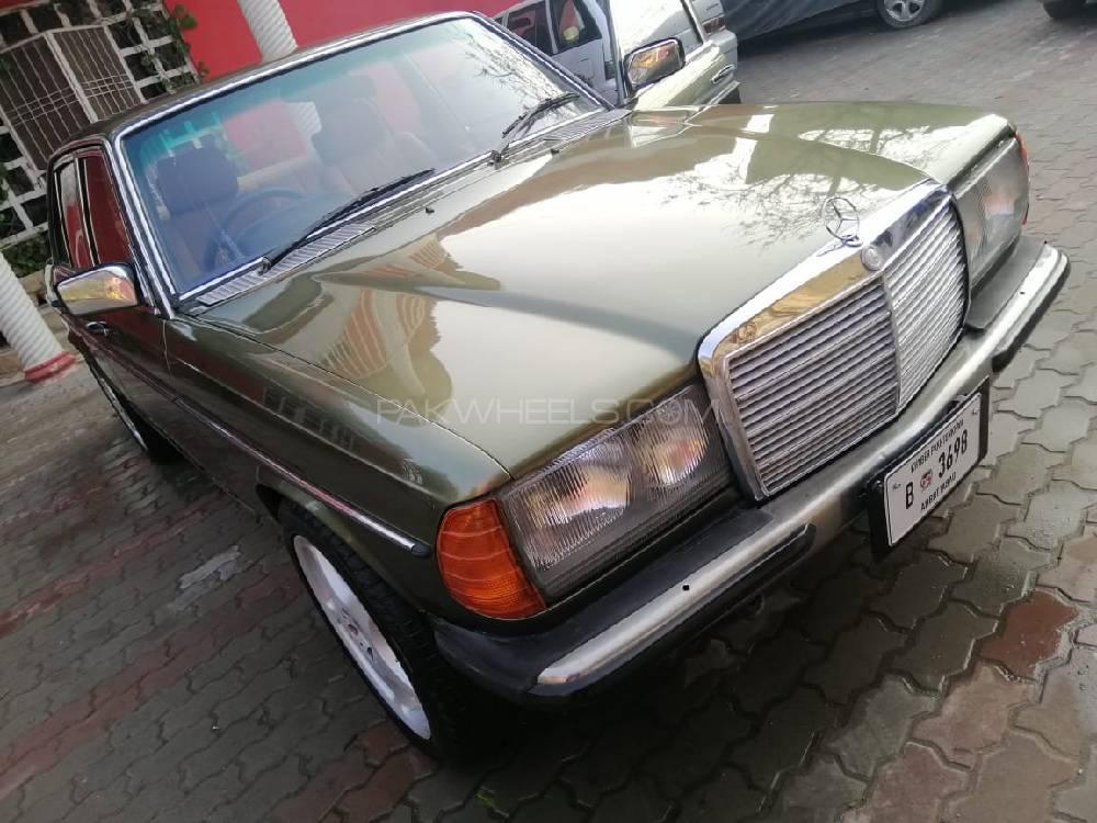 Mercedes Benz D Series - 1984 Merc Image-1