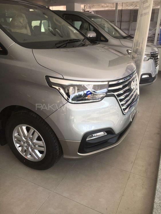 Hyundai Grand Starex GL 2020 Image-1