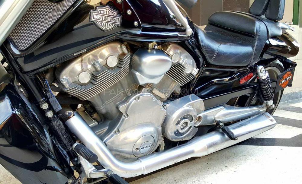 Harley Davidson V-Rod Muscle - 2011 Harley Image-1
