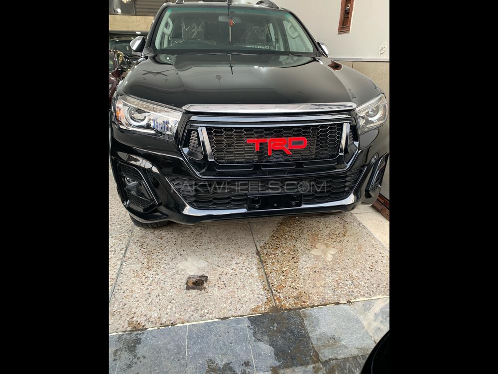 Toyota Hilux Revo V Automatic 2.8 2019 Image-1