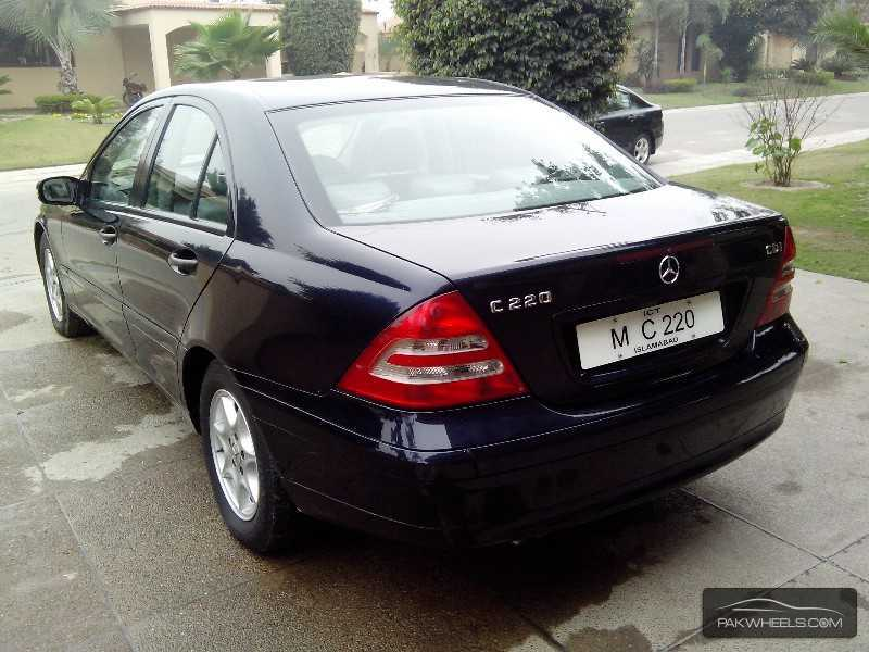 used mercedes benz c class c220 cdi 2002 car for sale in pakwheels. Black Bedroom Furniture Sets. Home Design Ideas