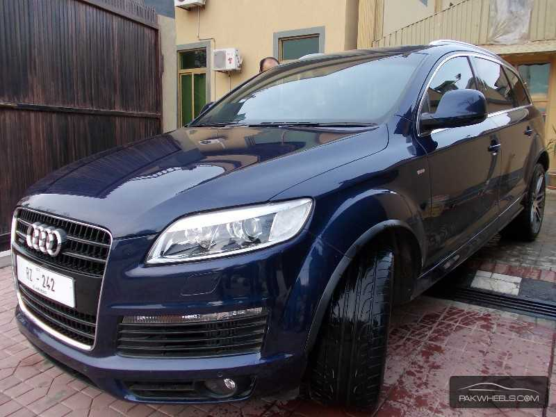 used audi q7 2010 car for sale in islamabad 782125 pakwheels. Black Bedroom Furniture Sets. Home Design Ideas
