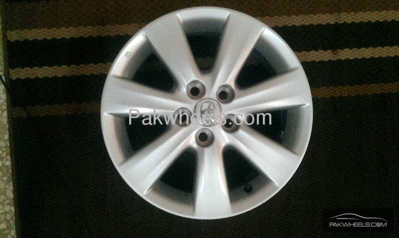 Alloy Wheels And Tyres >> Toyota Corolla Altis OEM Alloy Rims For Sale for sale in Islamabad - Parts &   PakWheels