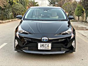 Used Toyota Prius S Touring Selection 2016
