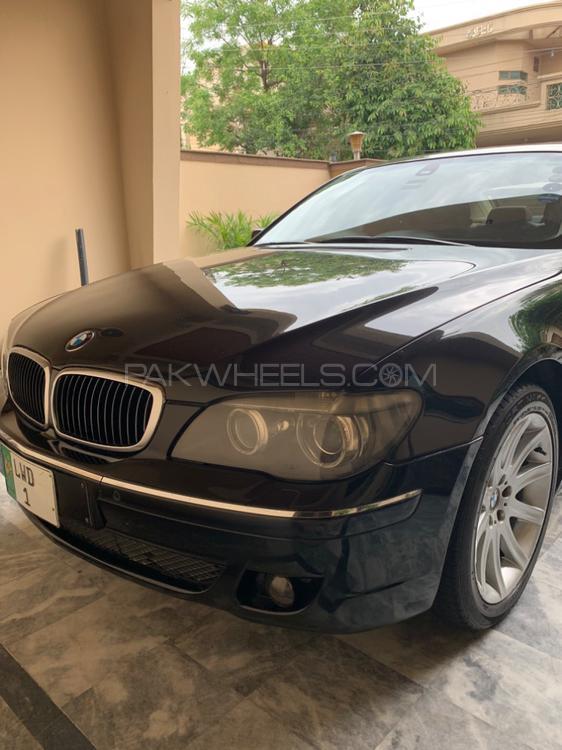 BMW 7 Series 745Li 2006 Image-1