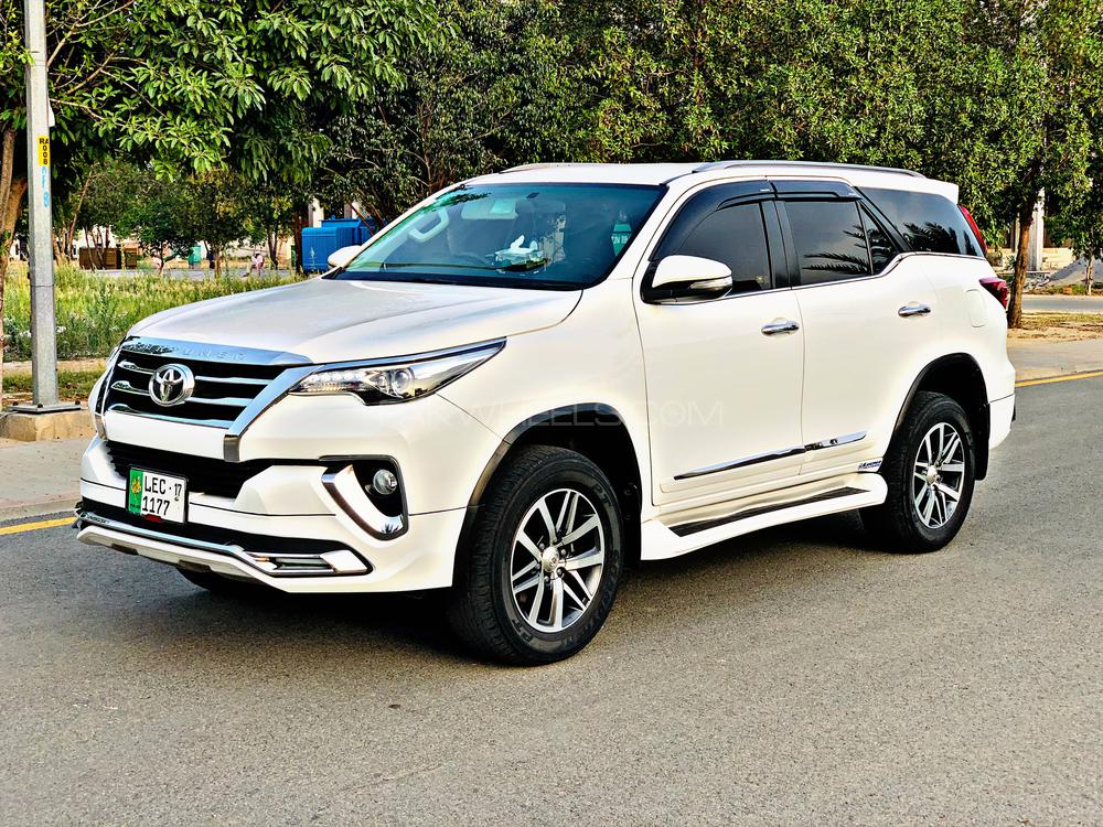 toyota fortuner 2 7 vvti 2017 for sale in lahore