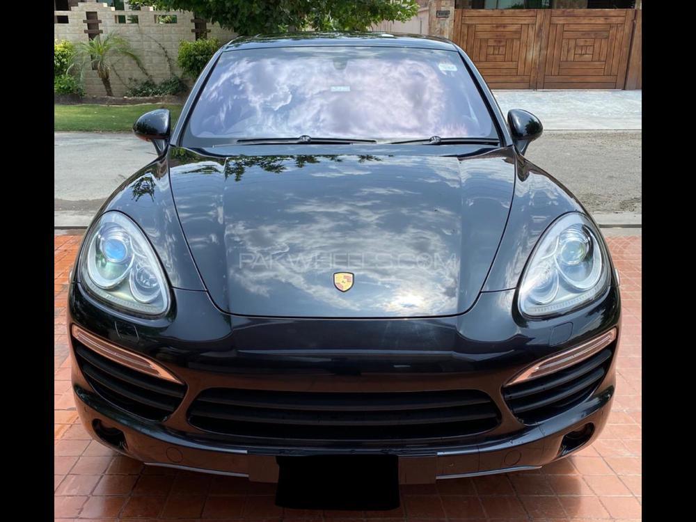Porsche Cayenne Hybrid 2013 Image-1