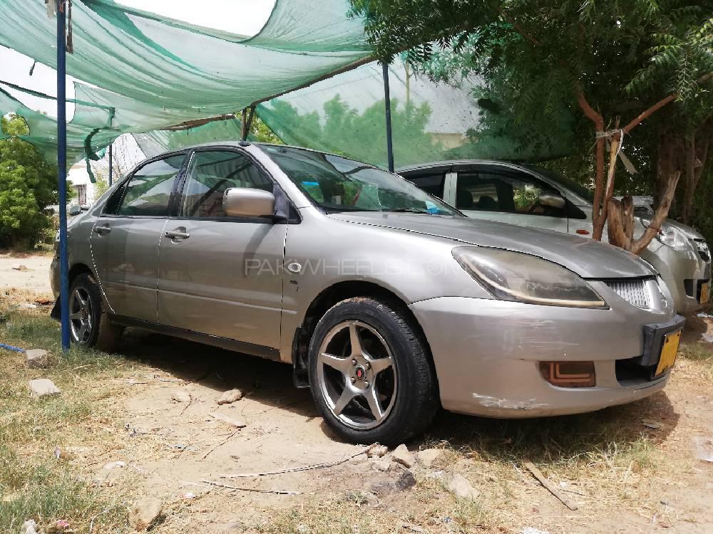 Mitsubishi Lancer GLX Automatic 1.3 2005 Image-1