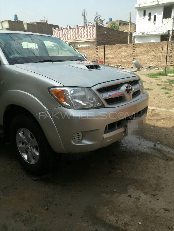 Toyota Hilux 2005 Image-1