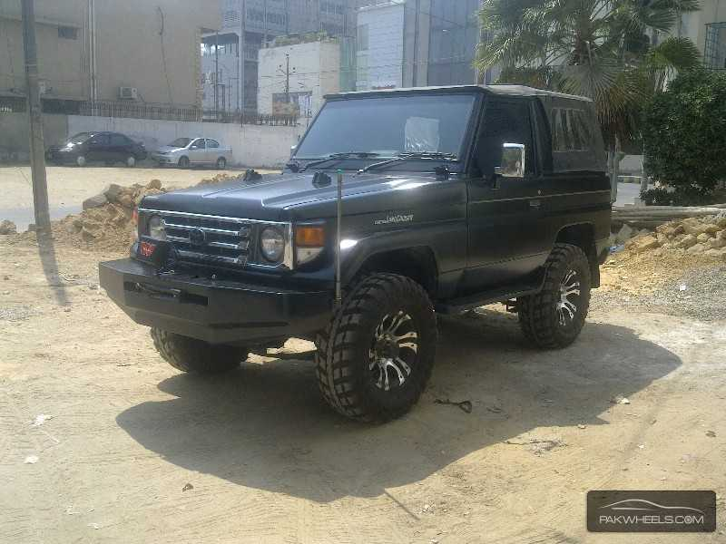 Toyota Landcruiser 4x4 Bushc er Sa Bus furthermore Index also Felicia 1 9 d 1999 as well Toyota Land Cruiser 1989 For Sale In Karachi 802855 as well Citron c4 coupe vts hdi 135 navi climate control 2008. on toyota radio manual