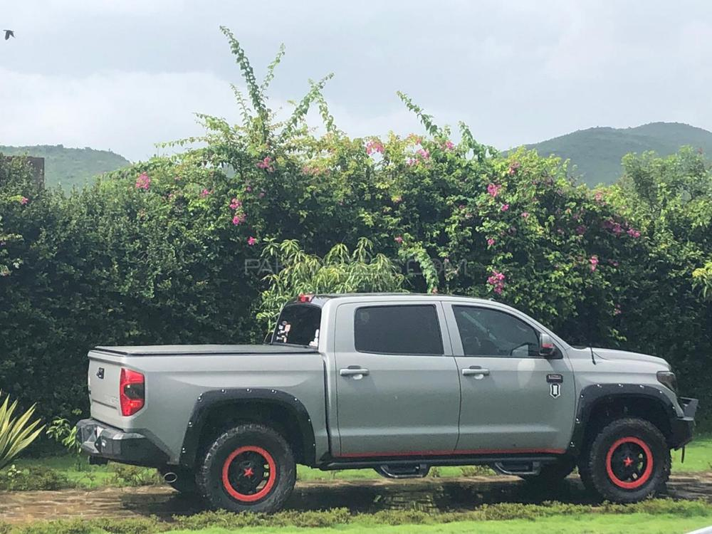 Toyota Tundra 5.7i 2018 Image-1