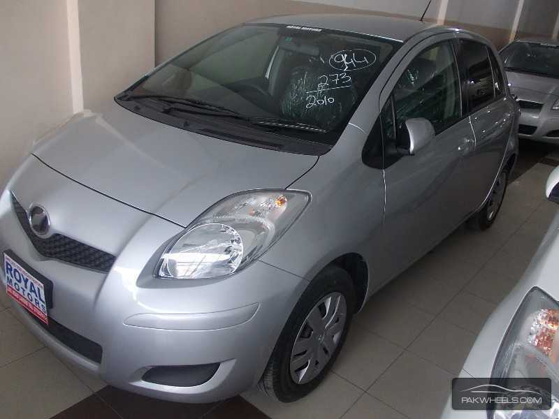 Toyota Vitz 2010 Image-2