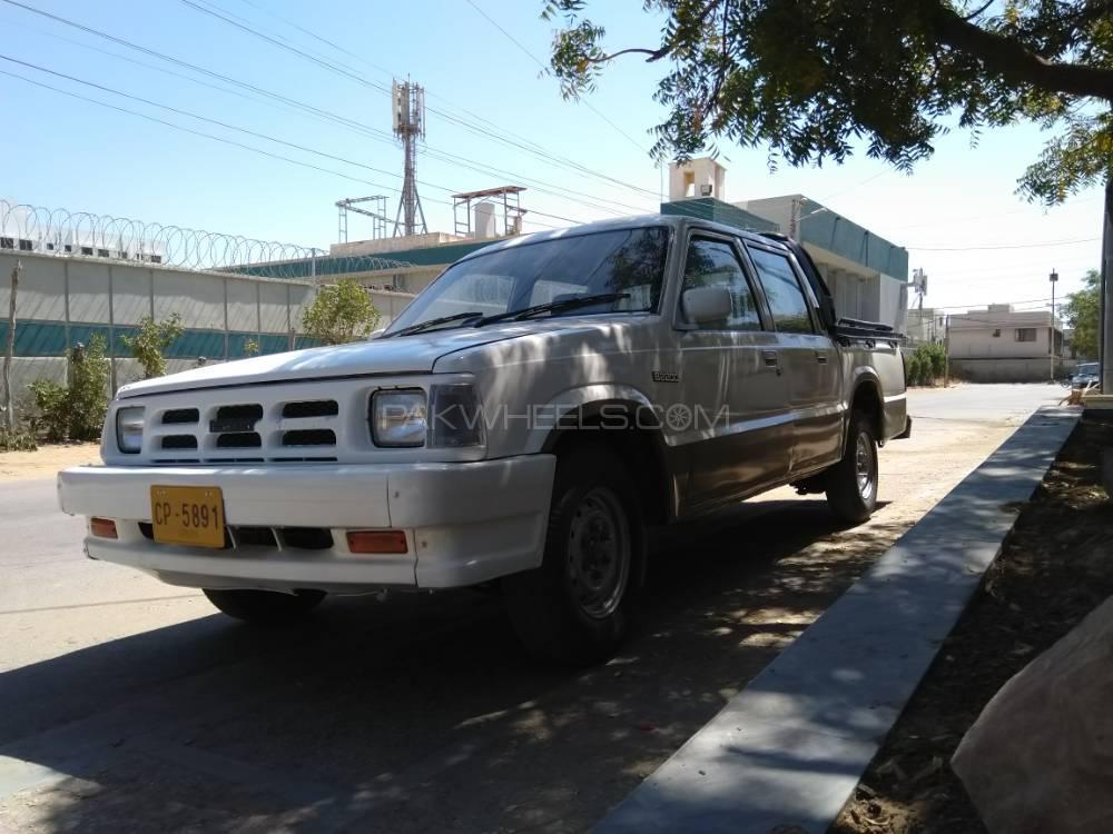 Mazda B2200 1996 Image-1