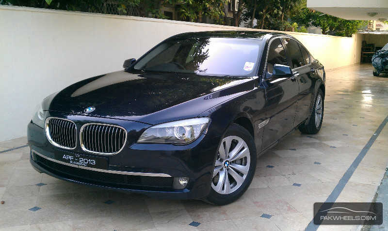 bmw 7 series 740i 2009 for sale in islamabad pakwheels. Black Bedroom Furniture Sets. Home Design Ideas