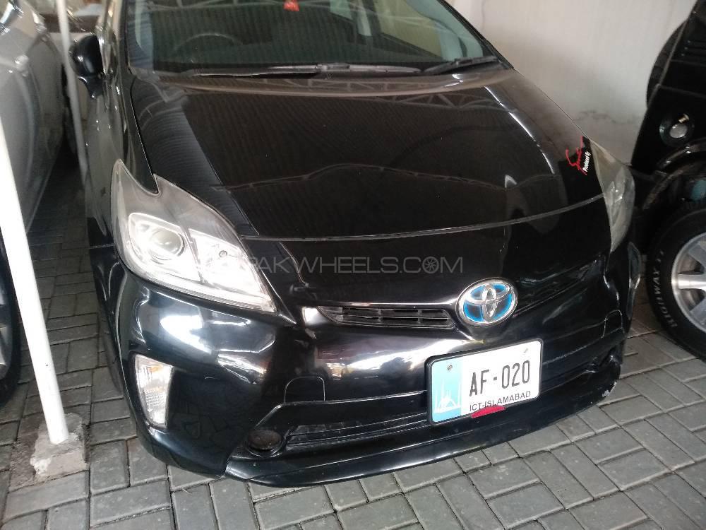 Toyota Prius S LED Edition 1.8 2014 Image-1