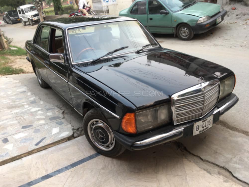 Mercedes Benz E Class - 1979  Image-1
