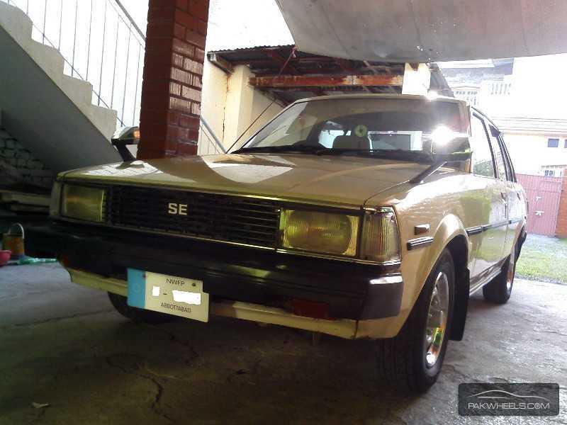 Toyota Corolla SE Limited 1982 Image-5