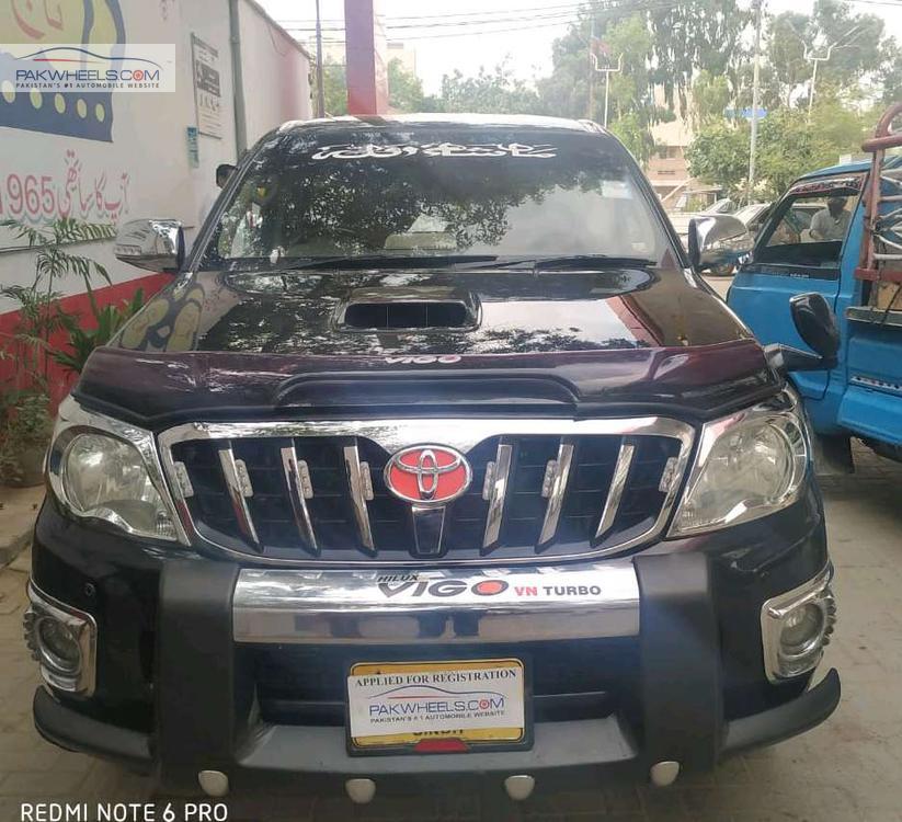 Toyota Hilux D-4D Automatic 2010 Image-1