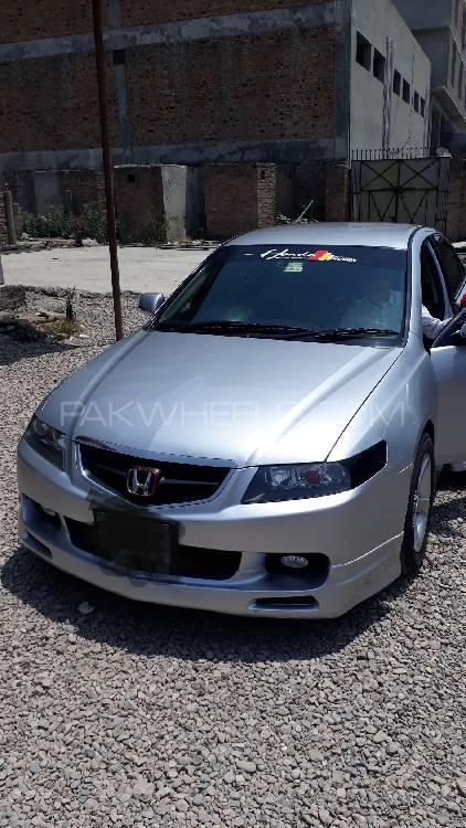 Honda Accord CL9 2002 Image-1