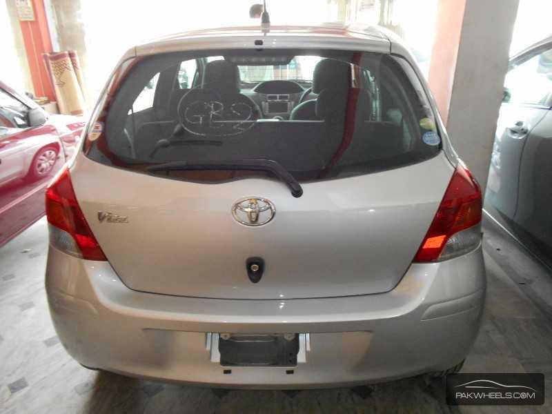 Toyota Vitz 2010 Image-4