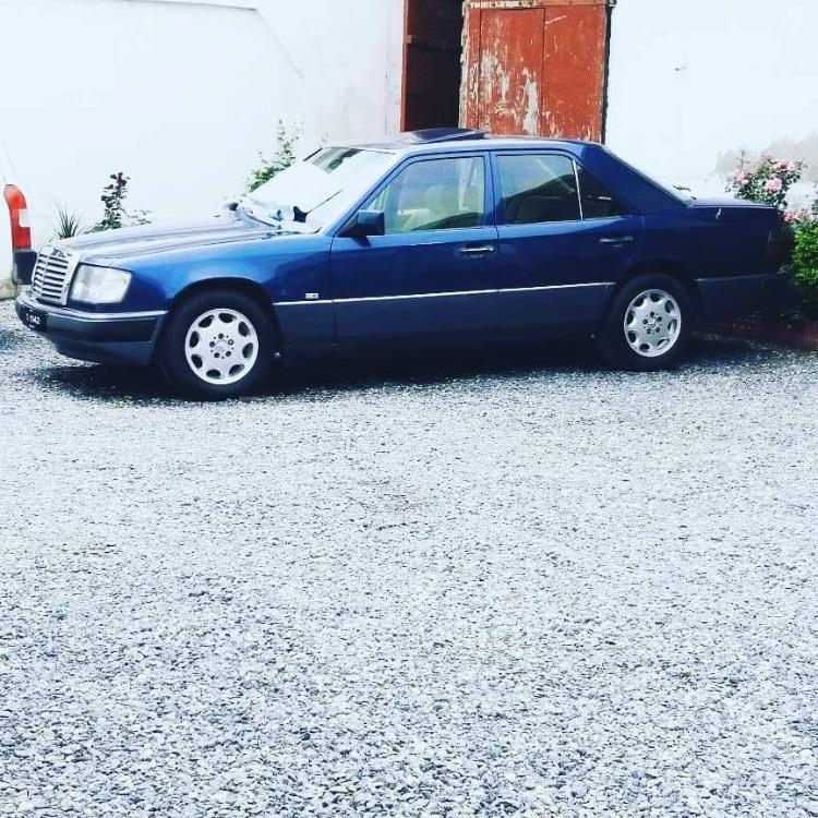 Mercedes Benz E Class - 1992  Image-1