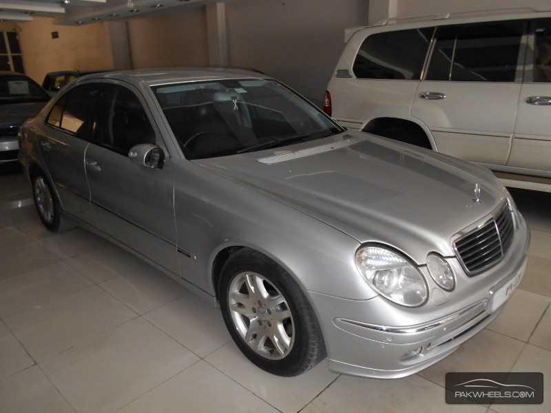Mercedes Benz E Class E270 CDI 2004 Image-2