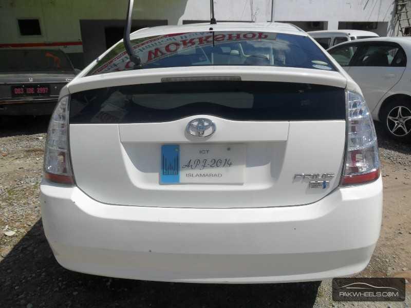Toyota Prius 2010 Image-4