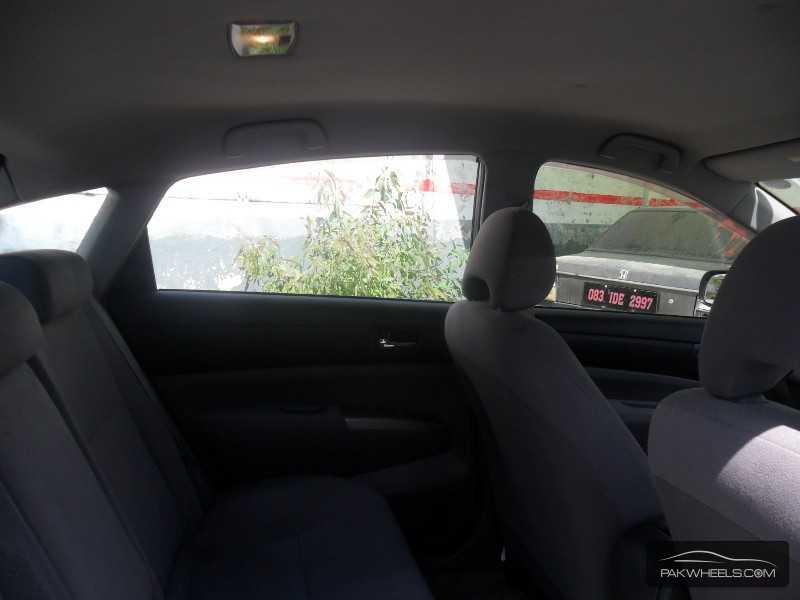 Toyota Prius 2010 Image-7