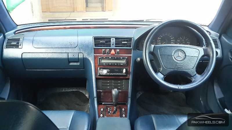 used mercedes benz c class c180 2000 car for sale in islamabad 827422 pakwheels. Black Bedroom Furniture Sets. Home Design Ideas