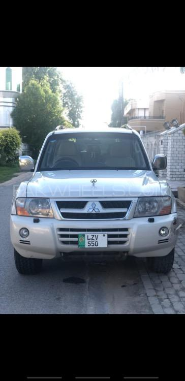 Mitsubishi Pajero GLX 2.8D 2005 Image-1