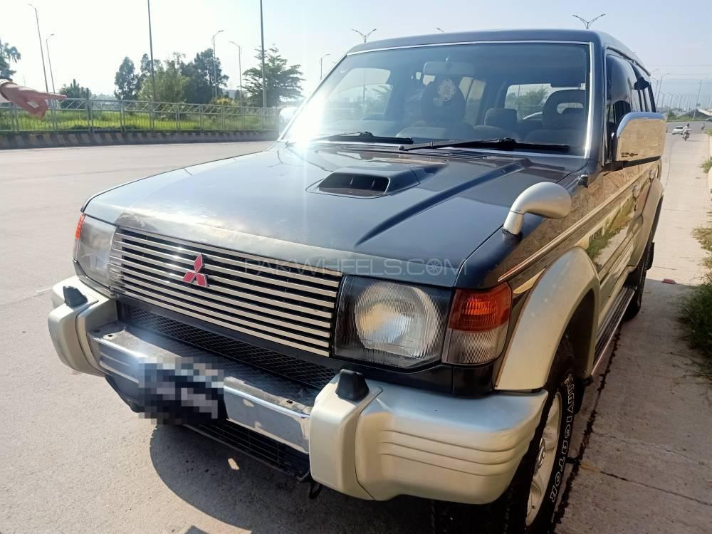Mitsubishi Pajero Exceed 2.8D 1995 Image-1