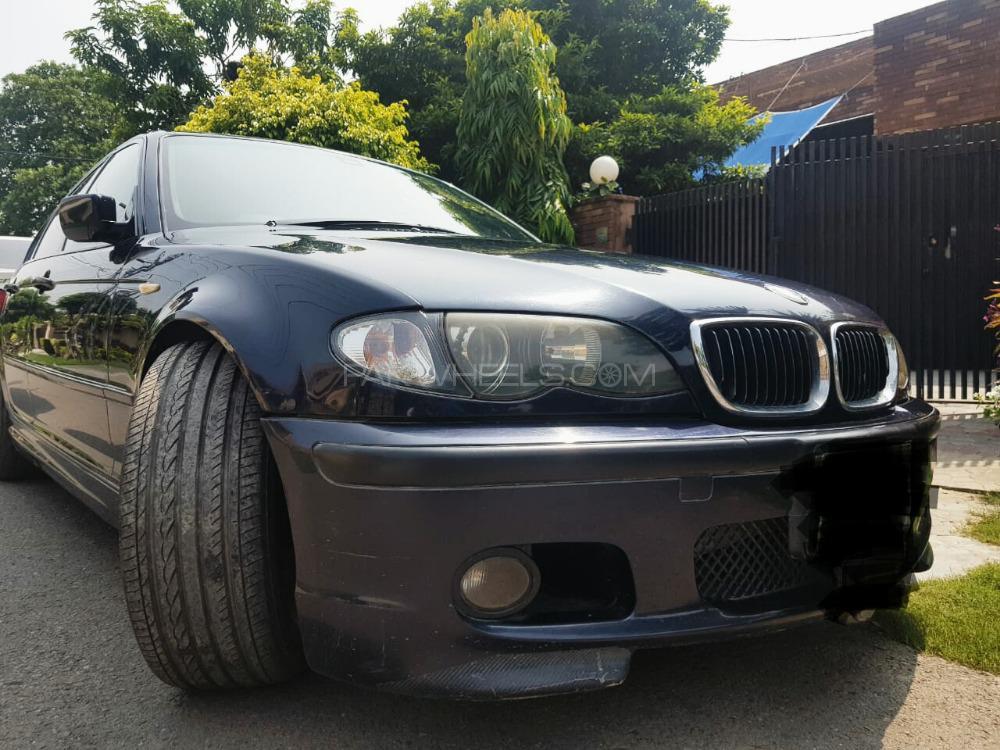 BMW / بی ایم ڈبلیو 3 سیریز 320i 2004 Image-1